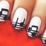 Маникюр с рисунками на ногтях в домашних условиях 71-16-150x150