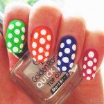 Красивый маникюр на короткие ногти: яркие фото 48-18-150x150