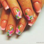 Красивый маникюр на короткие ногти: яркие фото 48-21-150x150
